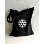 Must riidest kott lillega