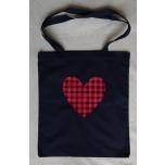 Must riidest kott ruudulise südamega
