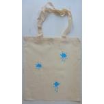 """Väike riidest naturaalvalge kott siniste """"plekkidega"""""""